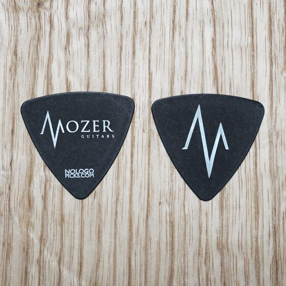 MOZER_triangle-picks_black